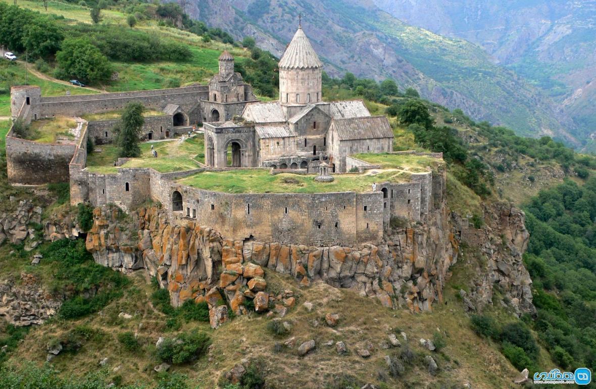 صومعه تاتو ارمنستان ، بنایی شگفت انگیز با معماری دیدنی