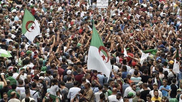 الجزایری ها با درخواست لغو انتخابات به خیابان آمدند